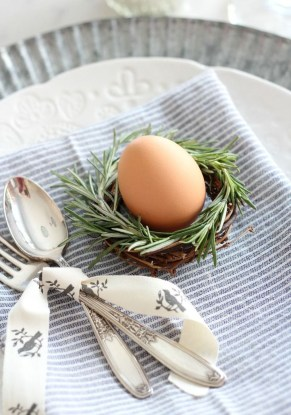 Superb Easter Table Decoration Ideas To Give Your Tablescape A Festive Vibe 09
