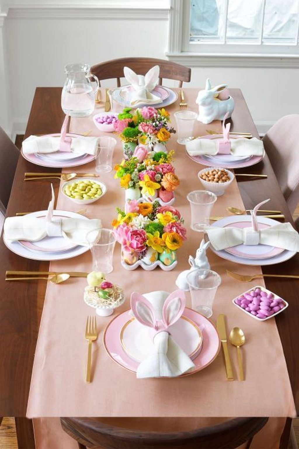 Superb Easter Table Decoration Ideas To Give Your Tablescape A Festive Vibe 50
