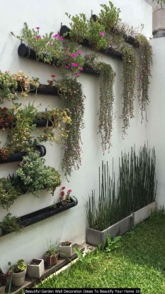 Beautiful Garden Wall Decoration Ideas To Beautify Your Home 16