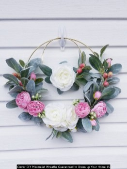Clever DIY Minimalist Wreaths Guaranteed To Dress Up Your Home 15