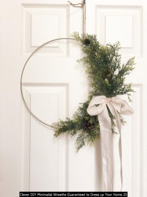 Clever DIY Minimalist Wreaths Guaranteed To Dress Up Your Home 25