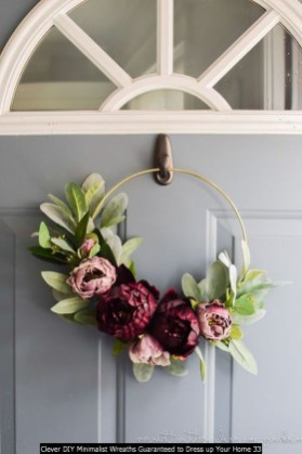 Clever DIY Minimalist Wreaths Guaranteed To Dress Up Your Home 33