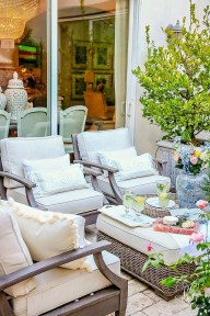 Magnificent Summer Furniture Ideas For Your Outdoor Decor 31