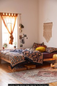 Unordinary Vintage Bedroom Design Ideas That You Should Know 32