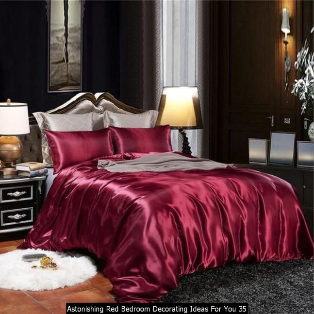Astonishing Red Bedroom Decorating Ideas For You 35