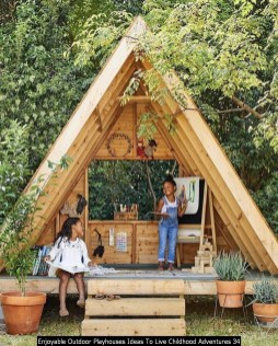Enjoyable Outdoor Playhouses Ideas To Live Childhood Adventures 34