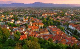 Credits. Ljubljana by Sykwong/123rf