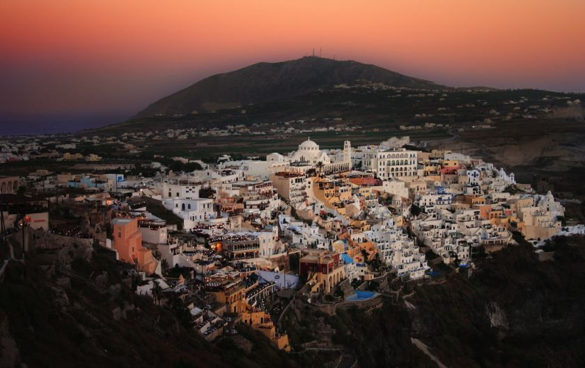 credits: Santorini by Paul Cowan/can stock photo