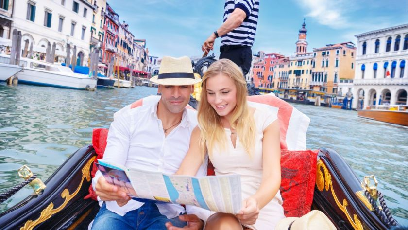 Venecija by Anna Omelchenko travel couple by can stock photos