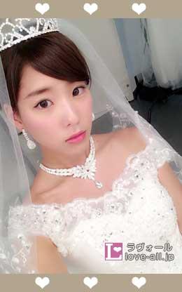 布川桃花 ウエディングドレス