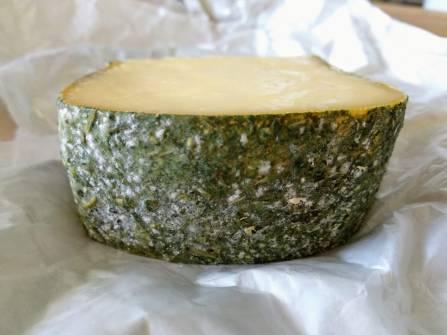 Сыр пониженной жирности с пажитником