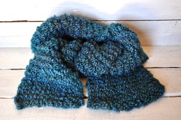 homespun yarn scarf