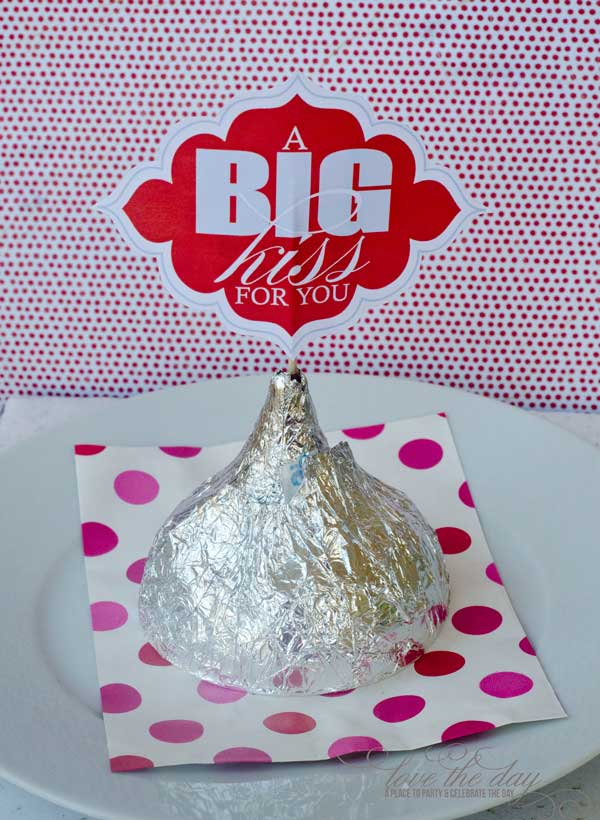 Big Kiss For You FREE Valentine Printable by Love The Day