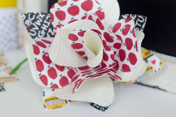 Back To School Crafts:: Teacher Boutonnières by Love The Day