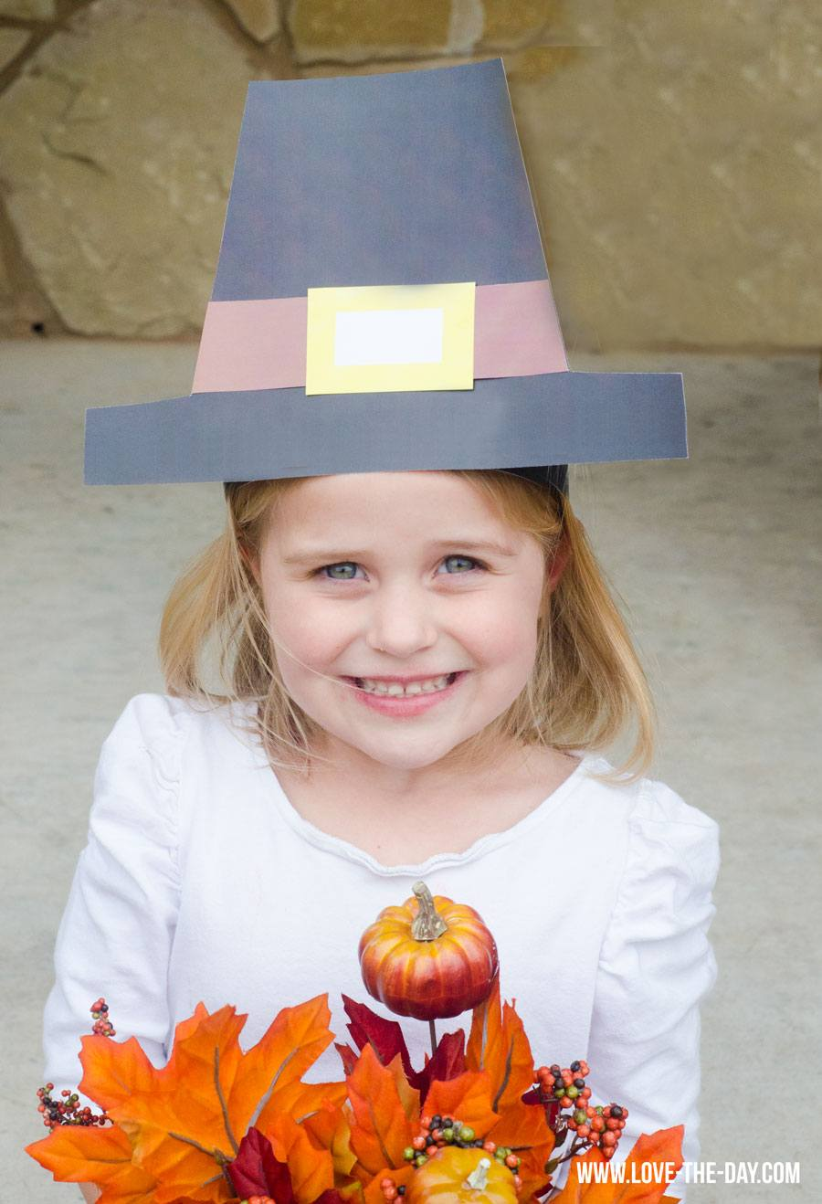 Pilgrim Crafts For Kids: Pilgram Hat & Tutorial by Love The Day