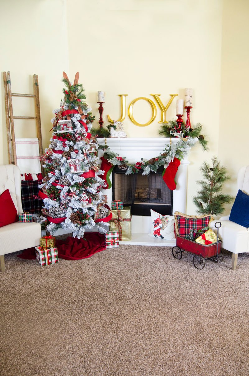 Plaid Christmas Tree by Lindi Haws of Love The Day
