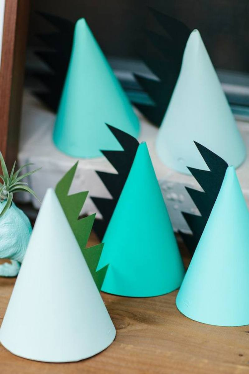 10 Adorable DIY Party Hat Ideas on Love the Day