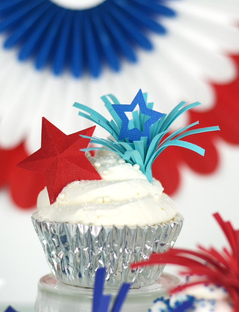 Learn how to make these adorable DIY Firework Cupcake Toppers by Amy Robison on Love the Day
