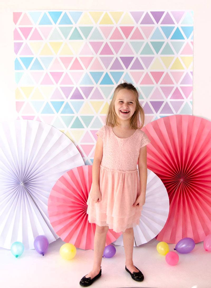 Free Geometric Backdrop Download by Lindi Haws of Love The Day