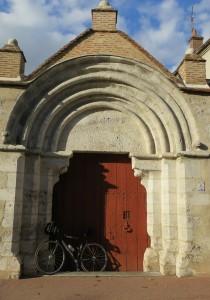 BPF : ORLEANAIS 45/Ch‰tillon Coligny - Portail du musŽe de l'H™tel-Dieu