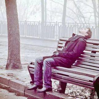 صور رجل حزين صور مؤثرة رجال انهكهم الحزن كلام حب