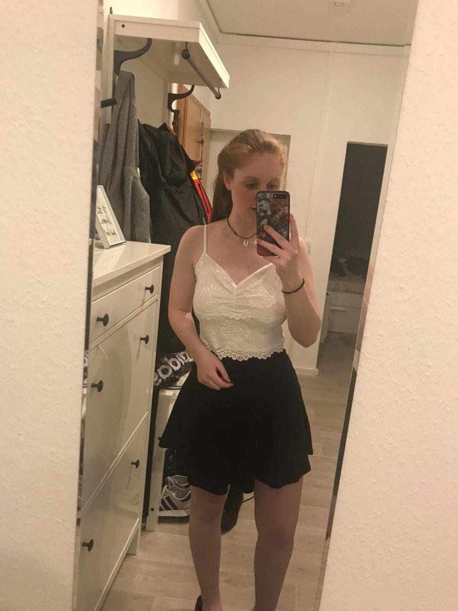 Outfit zusammen stellen per Spiegel Selfies