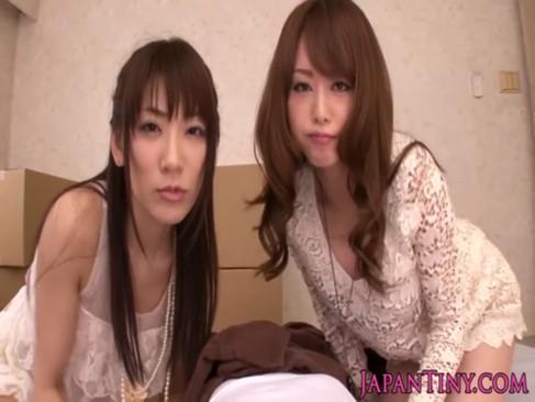 アダルトビデオ女優の香西咲と吉沢明歩との3P体験が堪らなくエロい無料セックス動画