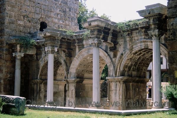 hadrians port i kaleici