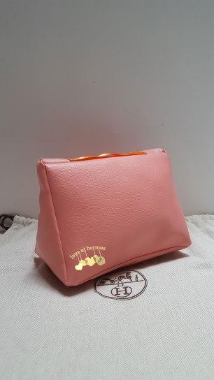 Cushion-B25-Coral-Peach