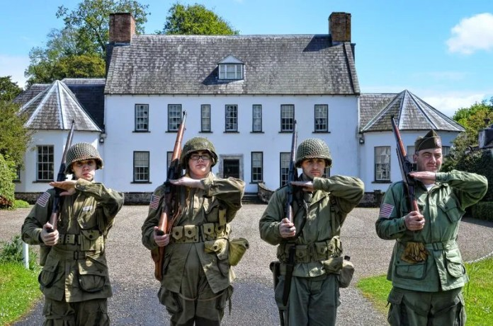 GIs on parade at Springhill (2)