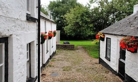 Pogues Entry Historical Cottage