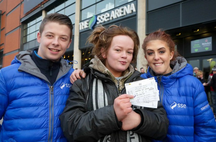 SSE Energisers helped to warm up Adele fans with hot drinks and bacon butties as they queued for tickets at The SSE Arena, Belfast.