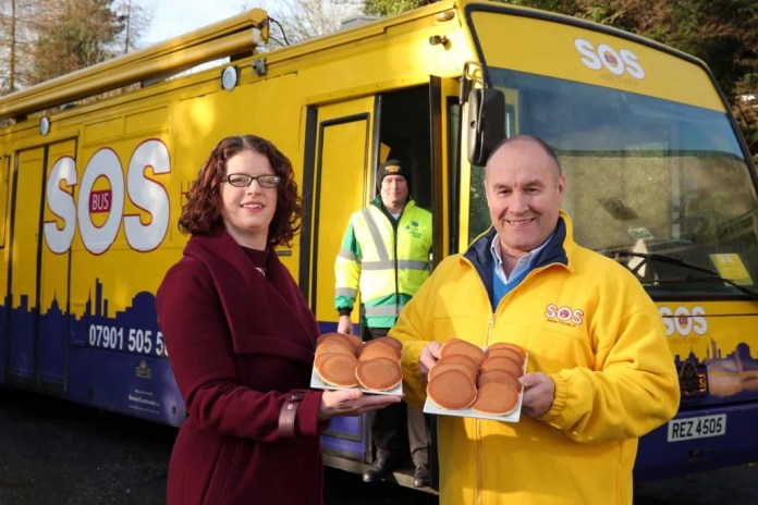 Pictured (L-R) are Elva O'Connor, Senior Brand Manager, Allied Bakeries,...