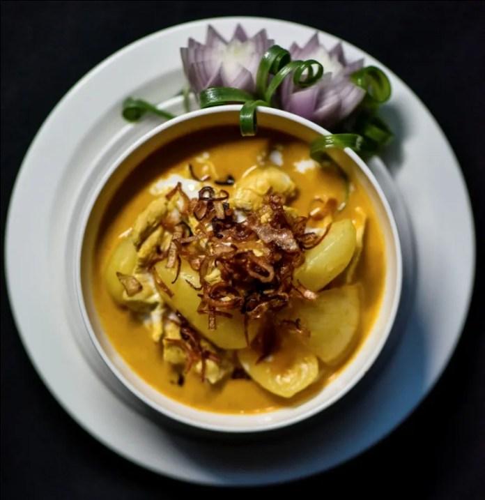 Yellow Thai Curry Massaman Gai