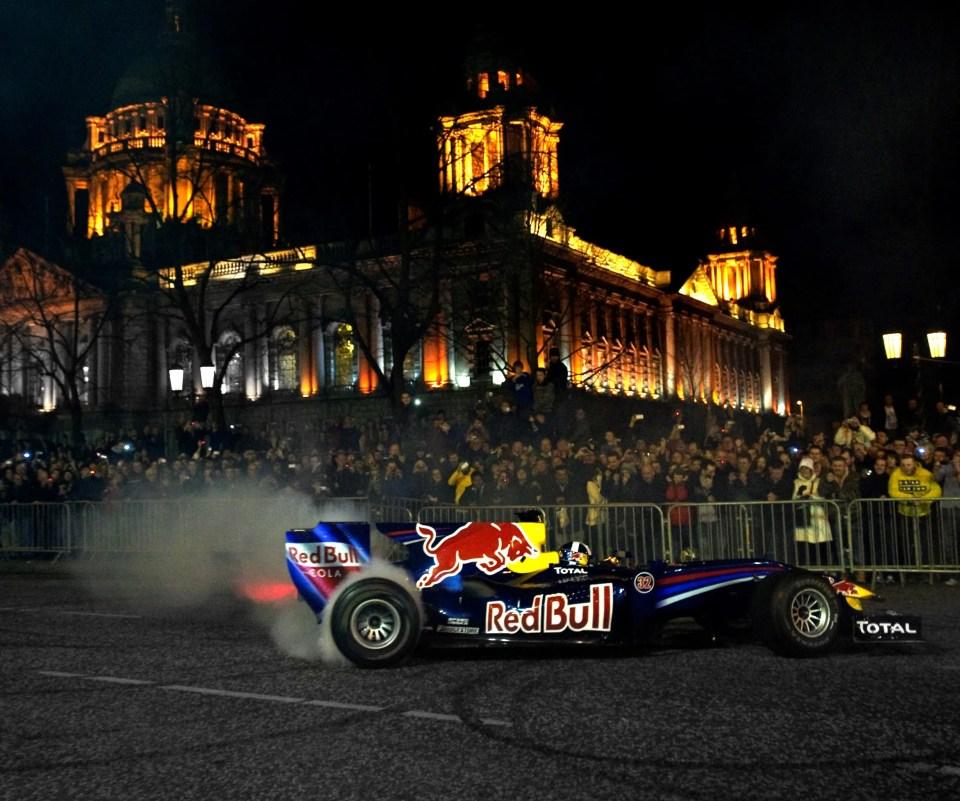 F1 Car donuts at Belfast City Hall