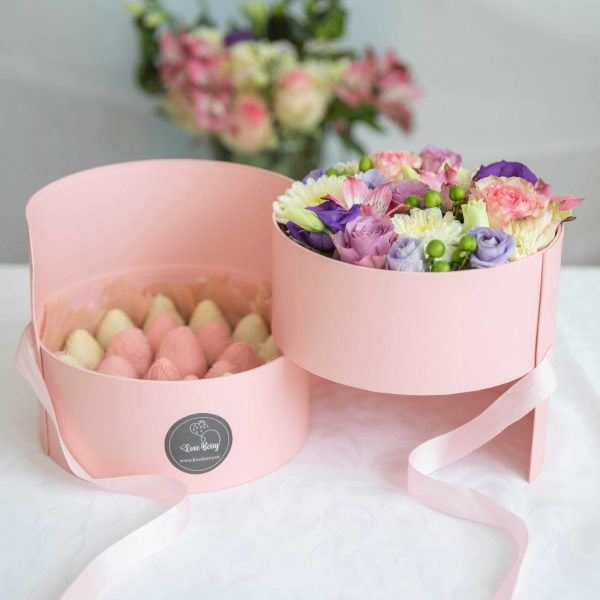 Chocolate Dipped Strawberry Boxes