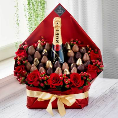 Champagne and Chocolate Covered Strawberry Bouquets