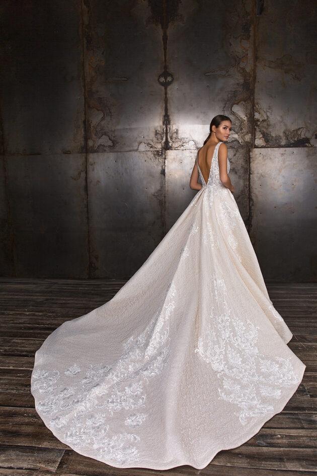 CRYSTAL DESIGN  Love Bridal