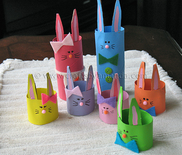 15 Easter Craft Ideas {chicks, bunnies, lambs, and more} - Cardboard Tube Bunny Rabbit Family