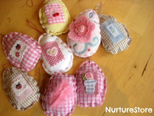 15 Easter Craft Ideas {chicks, bunnies, lambs, and more} - DIY Heirloom Easter eggs