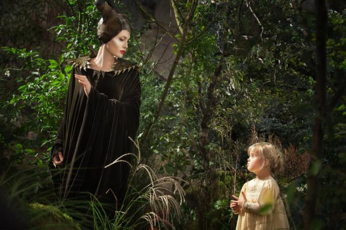 "NEW ""Finger Prick"" Trailer from MALEFICENT {Disney} #MaleficentEvent"