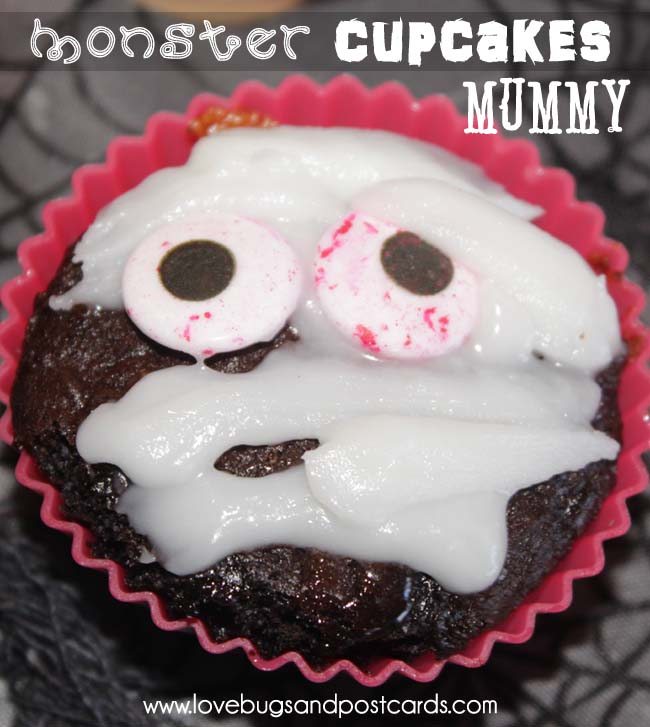 Monster Cupcakes {Alien, Skeleton, Pumpkin, Mummy and more|