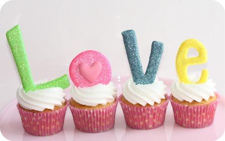 Valentine's {Love} Cupcakes