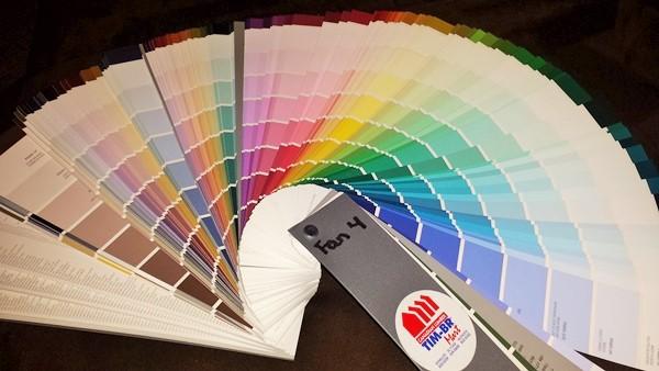 800 оттенков краски для стен