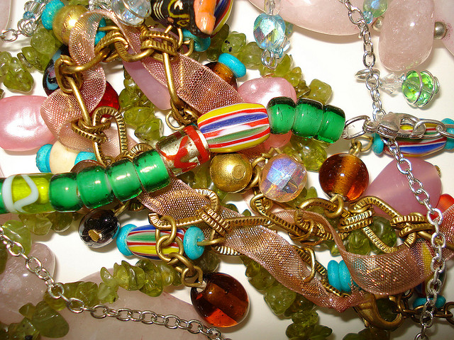 Store jewellery safely at home