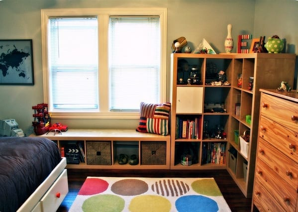 decorating a child's small bedroom