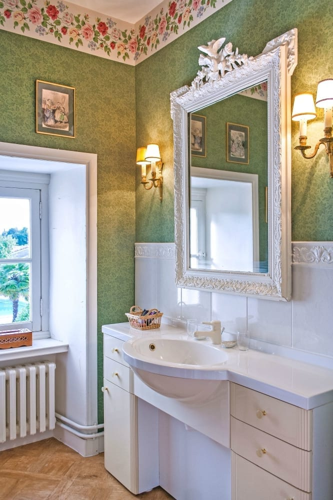 French interior design bathroom
