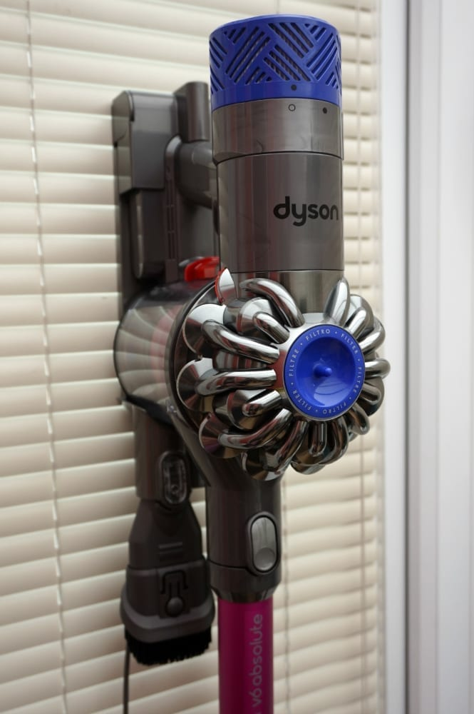 Mounted Dyson cordless v6 Absolute
