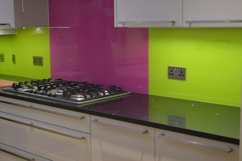 Two tone glass splashbacks