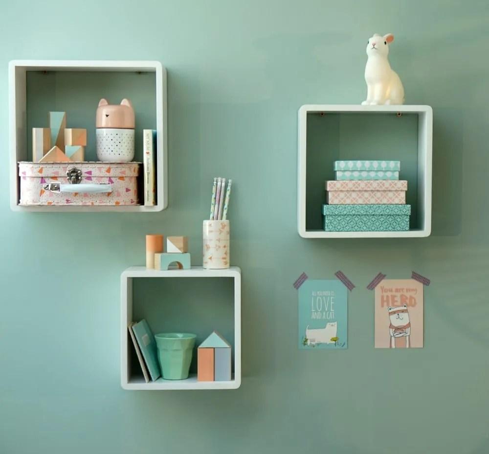 Final shelf styling